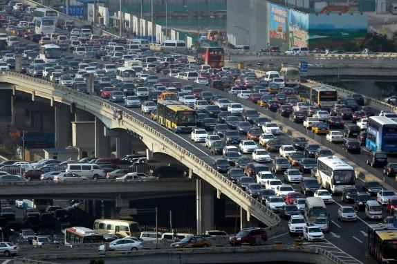 خودروهای تک سرنشین معضل بیپایان/هدر رفت روزانه 10 هزار میلیارد تومان هزینه وقت در پایتخت