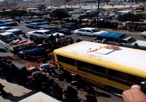 حادثه دلخراش برخورد اتوبوس درون شهری و وانت بار+ تصاویر