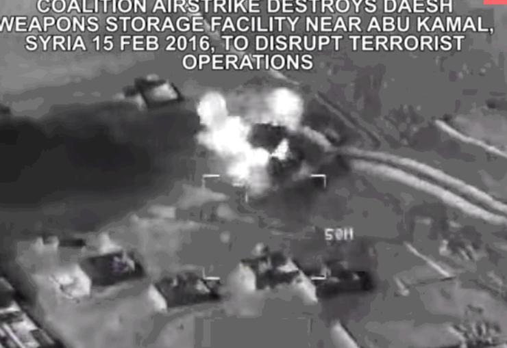 انفجار انبار تسلیحات داعش در حمله جنگندههای آمریکایی+ فیلم