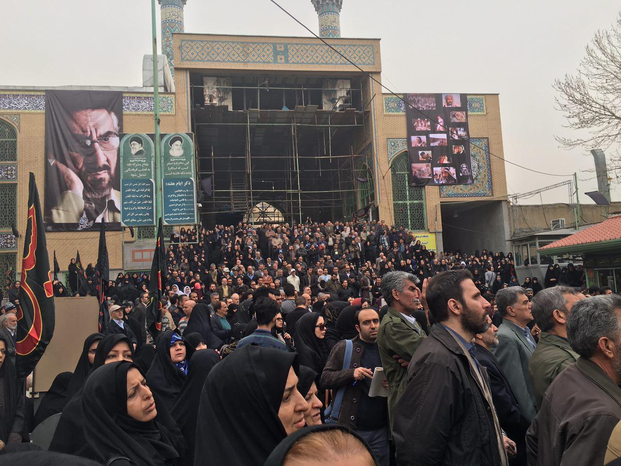 تشییع کارگردان «یوسف پیامبر» به خانه ابدی/ مارش نظامی برای سلحشور + تصاویر