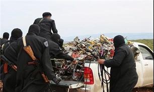جمع آوری قلیان و سیگار توسط داعش