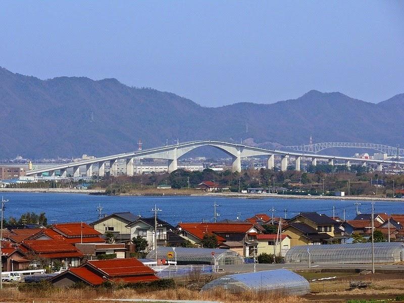 عجیب ترین پل جهان به ترن هوایی شبیه است
