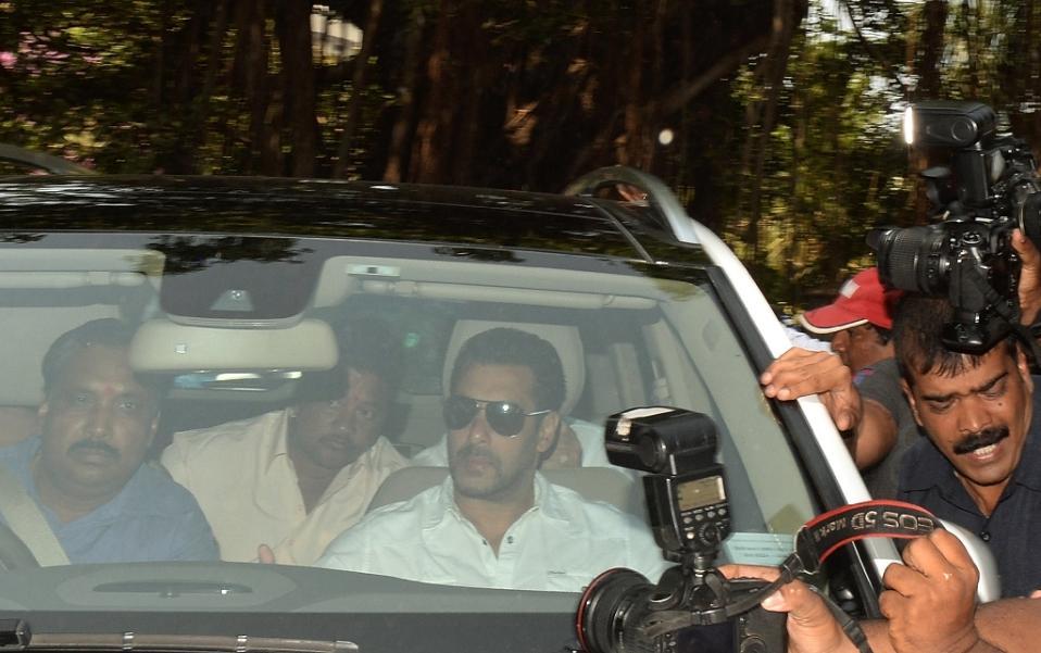 بازیگر معروف هندی مرتکب قتل شد + عکس