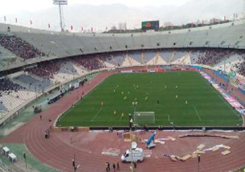 نمایی از ورزشگاه آزادی قبل از دربی