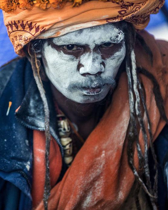 عادات عجیب قبیلهای مردهخوار در هند+تصاویر