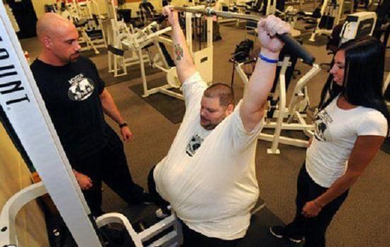 مردی پس از 180 کیلو کاهش وزن + تصاویر