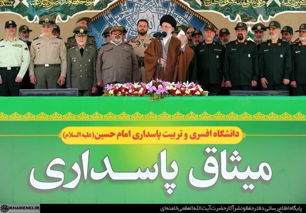 حضور محسن رضایی در مراسم دانشآموختگی دانشجویان افسری با لباس سپاه+ عکس