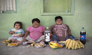 پدر هندی به خاطر نجات جان فرزندانش حاضر شده کلیهاش را بفروشد + تصاویر