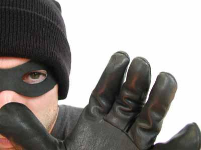 کلاهبردار 17 ساله فروش قرص های تاخیری اینترنتی دستگیر شد