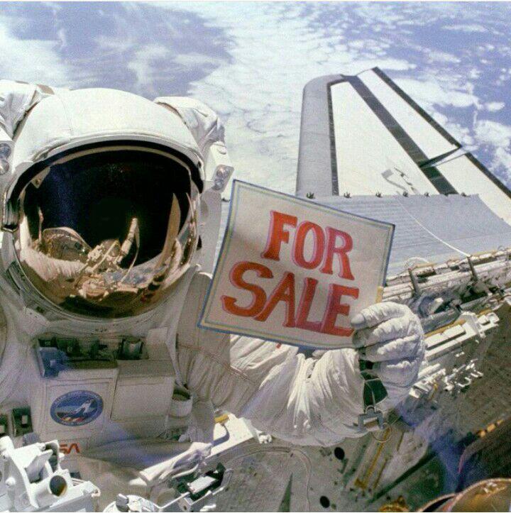 عکس سلفی یکی از فضانوردان ناسا 