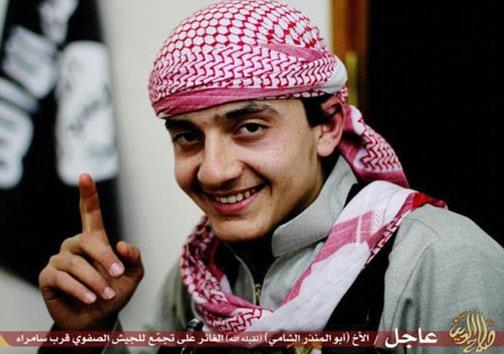تصاویری متفاوت از اعضای داعش/پسربچههایی که خندان به استقبال مرگ می روند