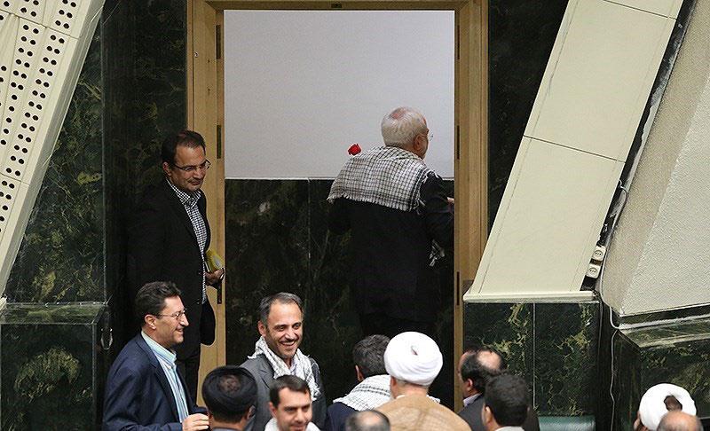مشاجره ظریف و کوچکزاده در مجلس+ تصاویر