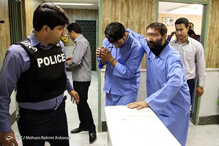 عاملان زورگیری از 70 خانم در مشهد دستگیر شدند/ سرکرده با گلوله پلیس به زانو نشست