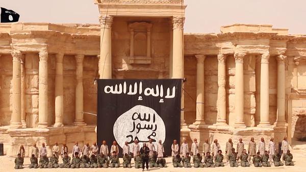 داعش 25 نفر را در سالن آمفی تئاتر تدمر اعدام کرد + تصاویر و فیلم