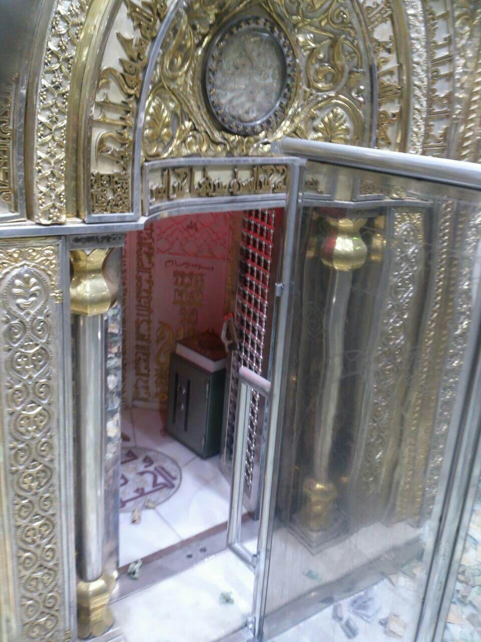 تصویری زیبا از محراب امیرالمومنین در مسجد کوفه