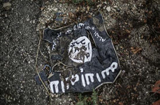 هلاکت دو نفر از خطرناکترین سرکردگان استرالیاییتبار داعش/ داعش سر يك فرمانده گروه النصره را با شمشير جدا كرد