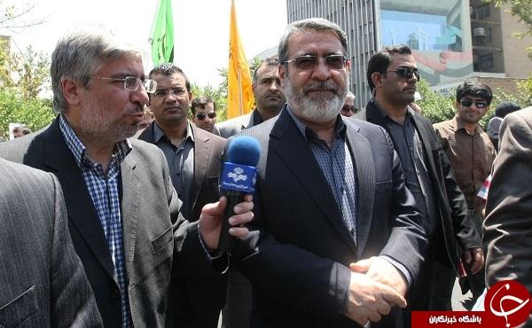احمدی نژاد و یارانش آبدیده تر شدند +عکس//در حال کار