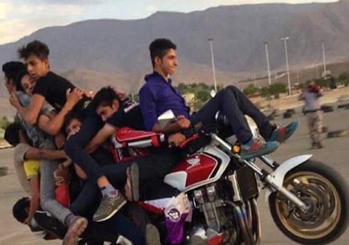 موتورسواری 10 نفره در ایران!+ عکس