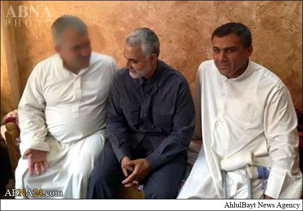 ملاقات حاج قاسم با فرمانده ارشد سپاه بدر پیش از شهادت + عکس