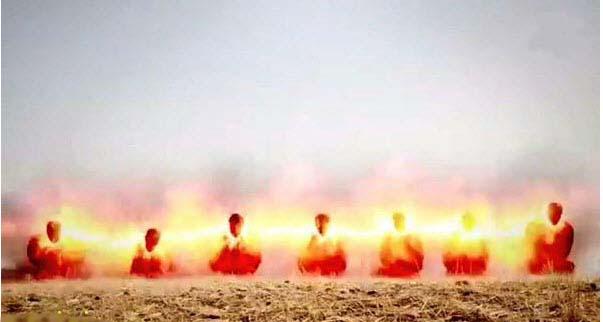 روش جدید داعش برای اعدام+18
