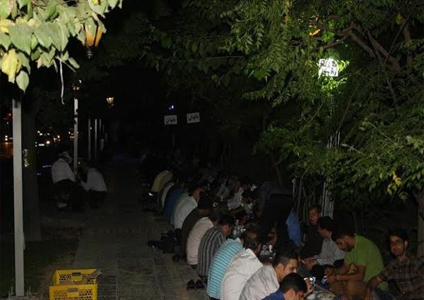 افطاری در خیابانهای تهران + عکس