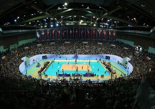 سرود جمهوری اسلامی ایران در سالن 12 هزار نفری آزادی طنین انداز شد