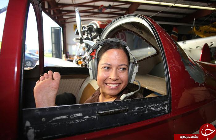 اولین خلبان زن بدون دست دنیا+تصاویر