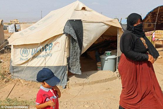 داعش پسر 4 ساله ایزدی را مجبور به گردنزنی مادرش کرد+ تصاویر