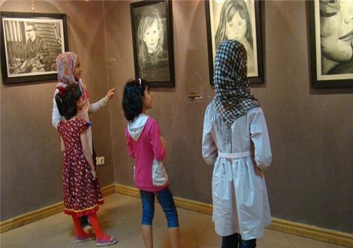 نمایشگاه نقاشی  سردار «سلیمانی» در افغانستان