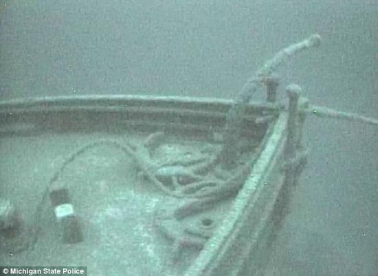 کشف کشتی 116 ساله در اعماق یک دریاچه!