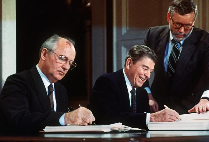 رییس جمهور های  چپ دست + عکس