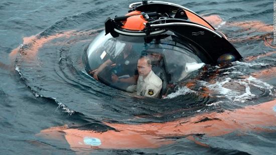 تصاویری متفاوت از رئیس جمهور روسیه از اعماق اقیانوس تا وسط جنگل + عکس