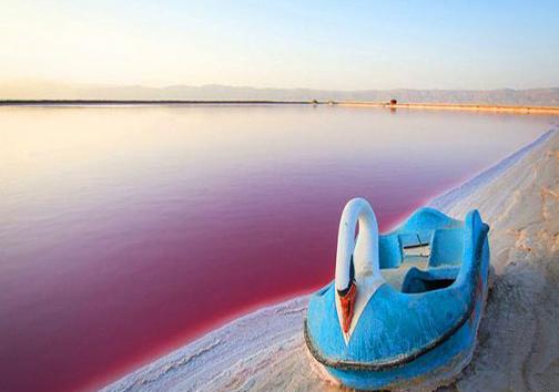 تغییر رنگ جالب دریاچه مهارلو +عکس