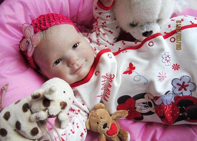 ساخت عروسک هایی شبیه نوزاد+ تصاویر