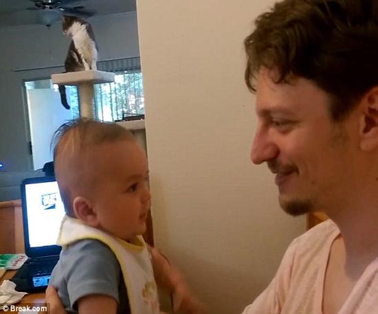 لحظه ای حیرت آور!نوزادی سه ماهه حرف زد!