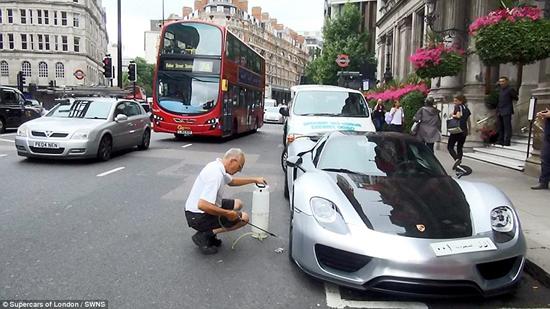 شستن پورشه ،عجب ترافیکی ایجاد می کند!!!