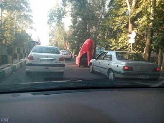 ماشین پاشنه بلند در خیابانهای تهران متعلق به آنتونیو باندراس! + عکس