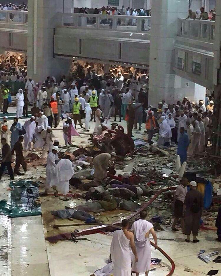 سقوط جرثقیل در مسجدالحرام/ مجروح شدن 12 زائر ایرانی+تصاویر
