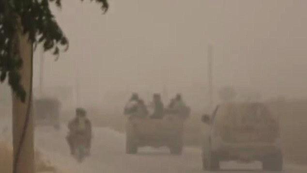 وقتی داعش از آب و هوای توفانی هم سوء استفاده می کند + تصاویر