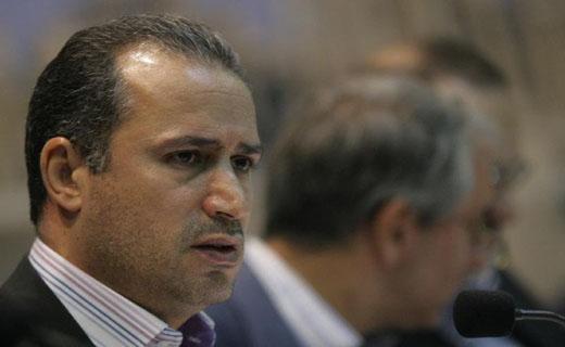 تاج: درآمدم از فوتبال نیست/ هرکس سندی در مورد حقوق من دارد منتشر کند