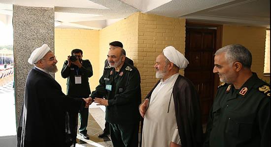 خوش و بش رئیسجمهور با سردار سلیمانی + تصاویر