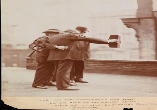 سلفی گرفتن در سال 1920!+ عکس