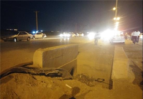 برخورد مرگبار تندر 90 با دیواره بتونی میان جاده