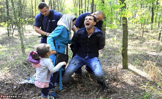 تصاویر بازداشت پدر جلوی چشمان گریان دخترش