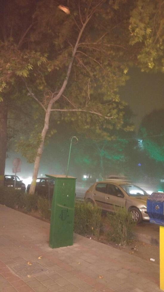 طوفان و گرد و غبار تهران را فراگرفت/ آخرین وضعیت ترافیکی پایتخت + تصاویر