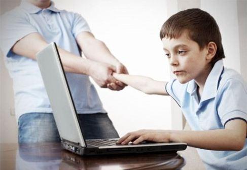 نشانه های اعتیاد به اینترنت //// در حال کار