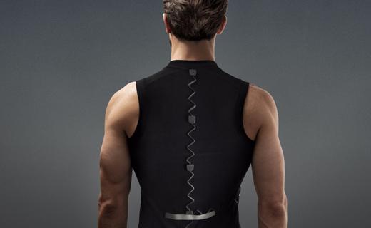 پیراهن هوشمندی که از کمردرد جلوگیری میکند + عکس