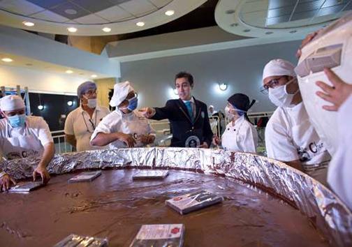 رکورد بزرگترین شکلات سکهای دنیا بازهم شکسته شد + تصاویر