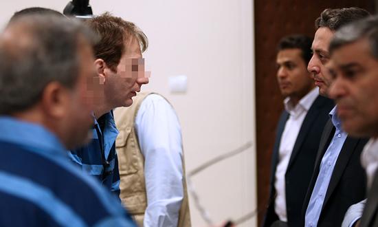 دومین جلسه دادگاه رسیدگی به پرونده متهم نفتی آغاز شد/ پرداخت 15 میلیون یورور از محل نقدینگی بانک مرکزی به حساب شرکت«ن» + تصاویر