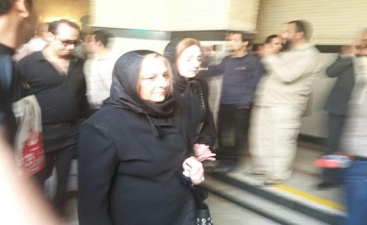 اظهارات احمدینژاد در مراسم ترحیم هادی نوروزی/ کفاشیان هم آمد+ تصاویر